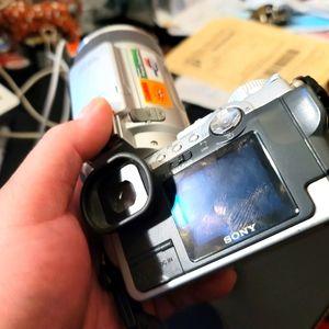 Sony Cybershot f717 Digital Camera